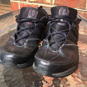 Women's Nike black sneakers